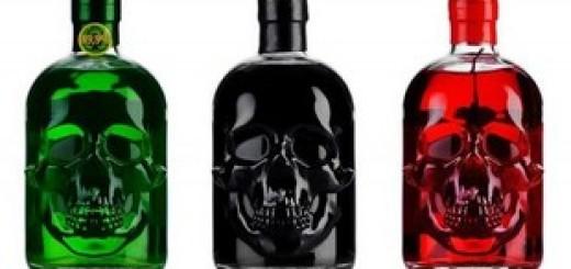 Зеленый, черный и красный абсент