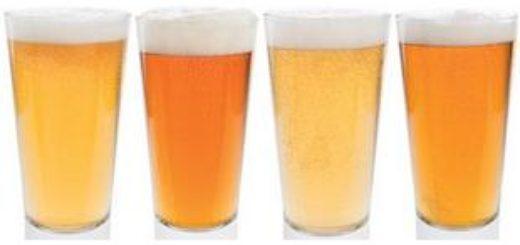 Бокалы со светлым пивом