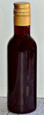 Бутылка настойка из ежевики