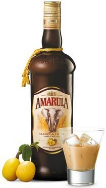 Бутылка ликера Амарула